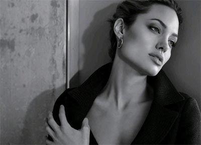 Angelina Jolie - 21